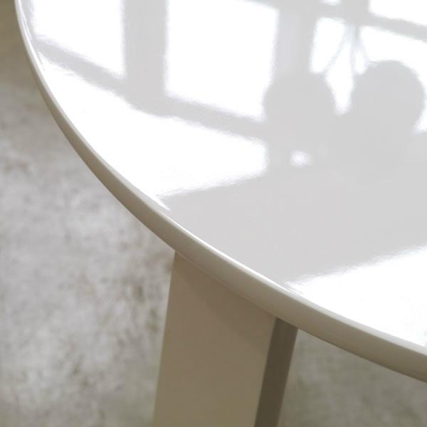 光沢感のある丸いリビングテーブル TORT トルト 幅55cm